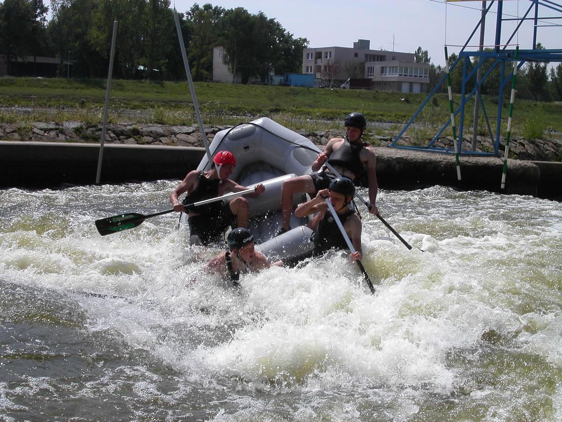 Raften op de Troja wildwaterbaan